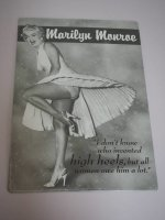 Blechschild - Marilyn Monroe - High Heels - 30 x 42,5 cm